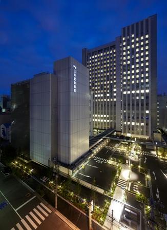 三井記念病院 夜の風景